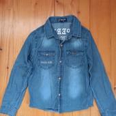 Джинсовая рубашка для мальчика на рост 134/140см