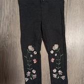 Легинсы плотные с вышивкой 2-3 года.