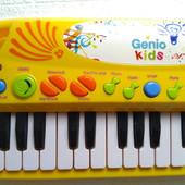 Синтезатор Genio Kids.