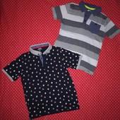 Новогодняя и полосатая футболка поло на 5-7лет(р.116-122) в хорошем состоянии.