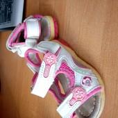 Кожаные сандалии