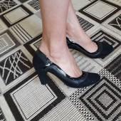 шикарні туфлі sole survivor 39