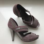Женские кожанные туфли 39 размер