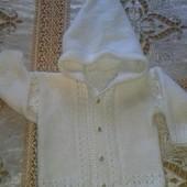 очень красивая вязаная кофтачка билосніжна біла для маленької модниці