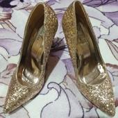 Эксклюзивная золотая чешуя туфельки. Бред Ella Lux. 39 размер.