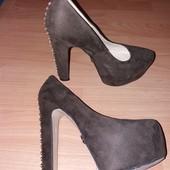 Очень красивые туфли)))они печенка-для фотосессии особенно,38 размер .