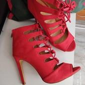 Туфли , босоножки закрытые женские