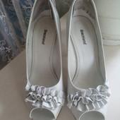 Белые туфли 37р. (23,5 см)