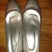 Серебристые туфли, р.36 (23 см по стельке), новые