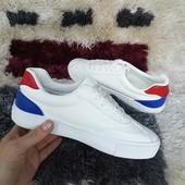 Белоснежные мягенькие кросики с цветной пяточкой. 35-22 и 40-25см