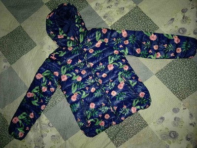 продам куртку (весна-осень) на девочку