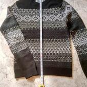 Мужской свитер размер С- М.