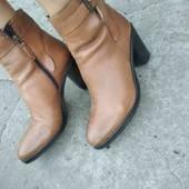 Ботинки на каблучку- шкіра