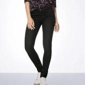 Шикарные темные джинсики от Esmara. В наличии размер 3 (евро). Отлично на подростка, маломерят