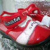 Новые туфельки ботинки для ребенка 16 р на годик девочка/мальчик на липучке осталось 3 пары