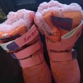 Новые зимние сапожки на натуральном меху на принцессу стелька 17см