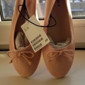 H&M. Шикарні балетки 39розміру.Нові