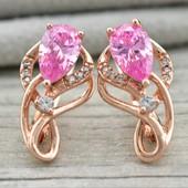 Новинка!!!Очаровательные очень нежные серьги с нежно -розовым кристаллом +фианиты позолота 585 пробы