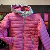 Качественная курточка на 10-12 лет