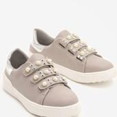 Жіночі кросівки р.39