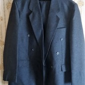 Крутой мужской фирменный костюм 50-52 р.