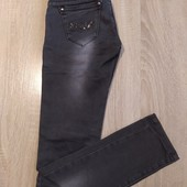 Оригінальні джинси, оздоблення з пайєток. Розмір 158
