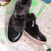 модные ботинки лаковые с мехом 39р Тамарис Германия нюанс