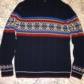 Теплый вязаный свитер в идеальном состоянии