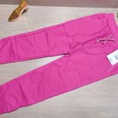Плотные спортивные штанишки красивого цвета! 116 рост! 329 грн по ценнику!