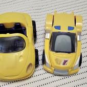 Две машинки одним лотом,одна интерактивная и трансформер