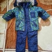 Зимний костюм с варежками