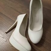 Белые туфли 24см