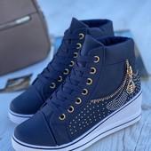 Высокие женские красивые кроссовки /ботинки