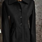Шерстяное фирменное пальто в отличном состоянии!!!