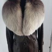 Шикарнейшее пальто в пол из натуральной кожи (цвет - бронза) . Мех - песец.