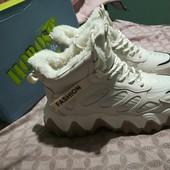 Тёплые зимние ботинки,кроссовки в спортивном стиле на меху 38р