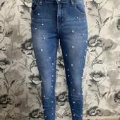 Стильные нарядные джинсы
