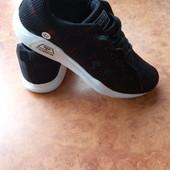 нові кроси 27-29,5см шт /інші моделі в моїх лотах