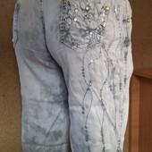 Летние джинсы варенки украшены пайетками