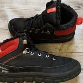 Отличные ботиночки Quechua 34 размер стелька 22 см ( на бирке 21,5 см )