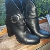 Кожаные ботинки 39 размер