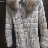 Зимнее пальто-пуховик с натуральным мехом в отличном состоянии