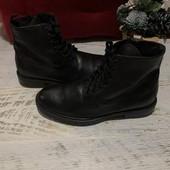 Ботинки із натуральної шкіри,від Minelli,розмір 40,устілка 26