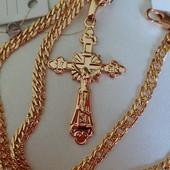 супер! шикарный крестик с распятием, есть надпись Спаси и Сохрани, позолота 585 пробы