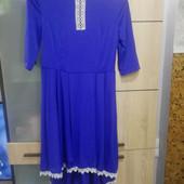 Красивое новое платье, размер M-L