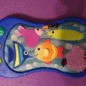 Музыкальная панель с рыбками