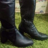 Женские кожаные сапоги состояние нового