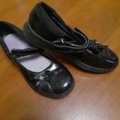 продам туфли на девочку,длина стельки 22см.