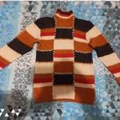 Теплый вязанный шерстяной свитер