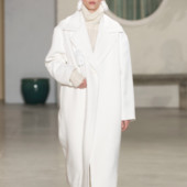 Белоснежное пальто